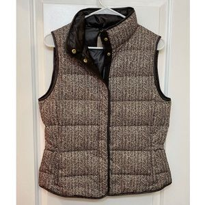 Banana Republic Button Down Quilted Puffer Vest